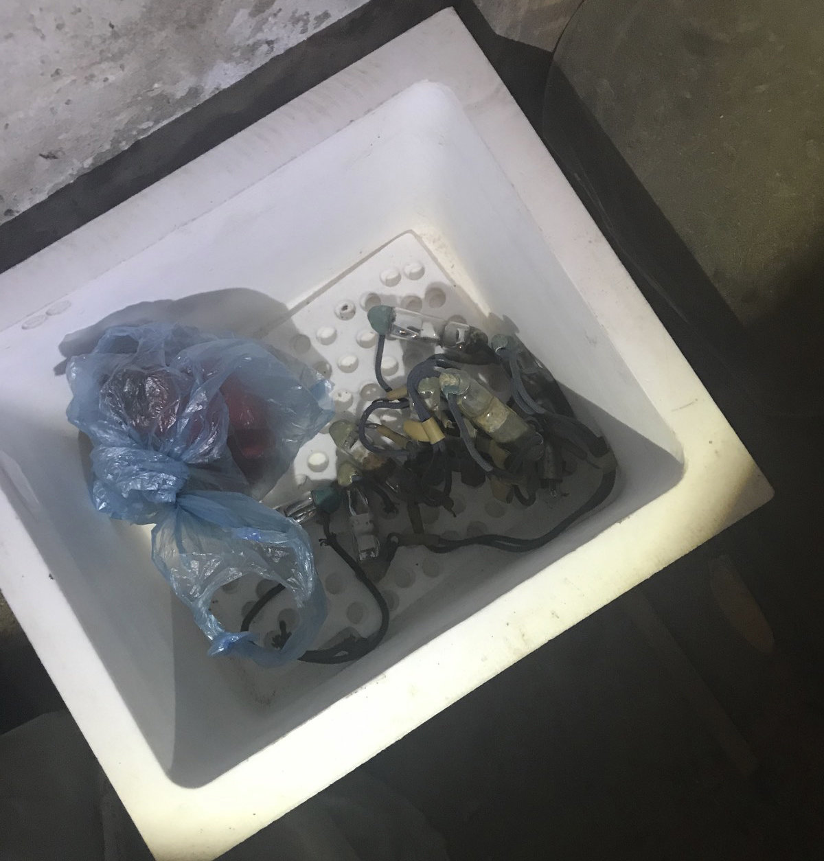 У Білій Церкві рятувальники вилучили контейнери з ртуттю в житловому будинку, фото-2